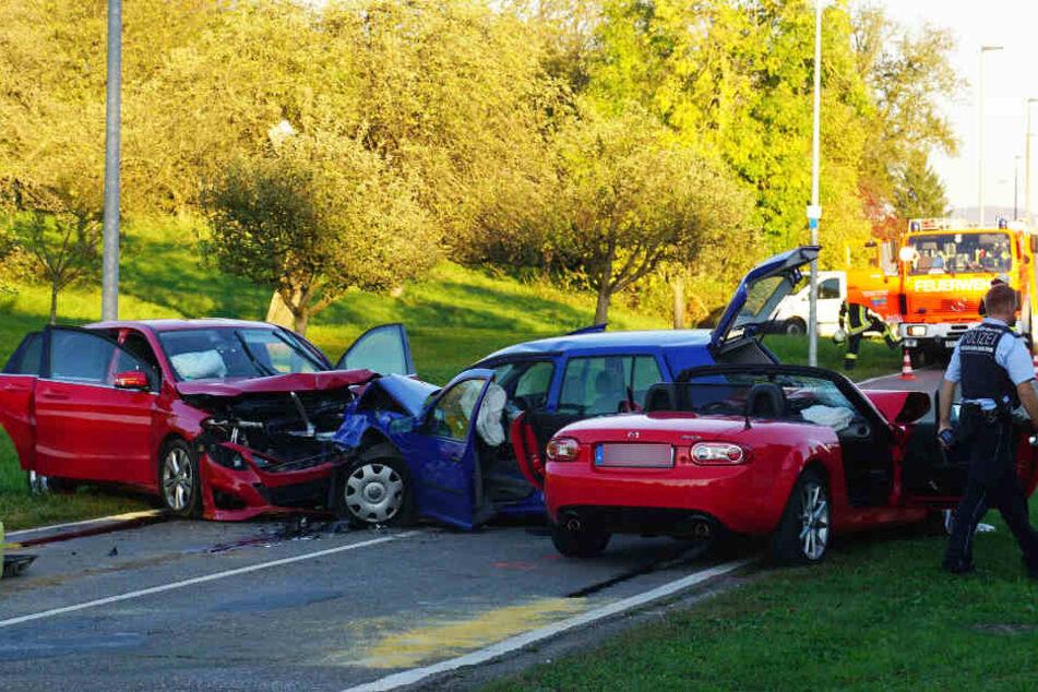Gleich acht Menschen wurden bei diesem Unfall in Nabern verletzt.