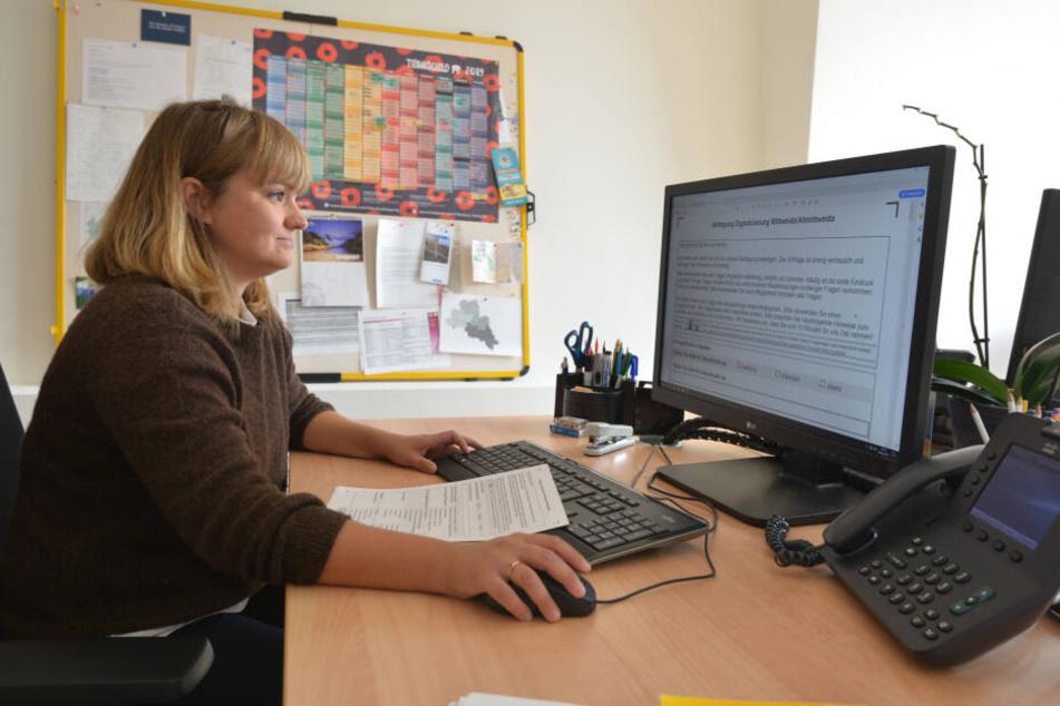 Nora Zill (35) von der Hochschule Mittweida will wissen, wie Menschen über 50 mit dem Internet umgehen.