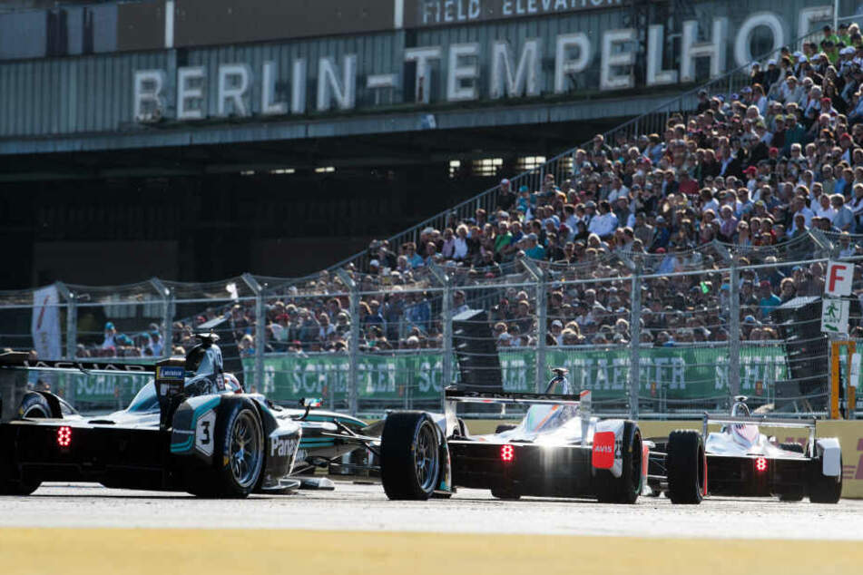 Auf dem Tempelhofer Feld wird's (nicht) laut! Formel E gastiert in Berlin