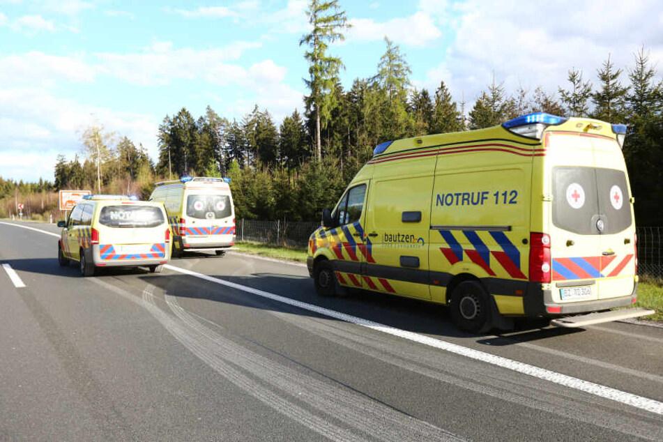 Mehr als sechs Menschen wurden teilweise schwer verletzt und mussten in umliegende Krankenhäuser gebracht werden. (Symbolbild)