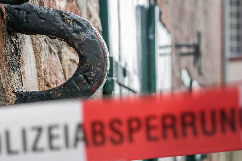 Mitten in der Altstadt: 55-jähriger Mann lehnte tot an Wand