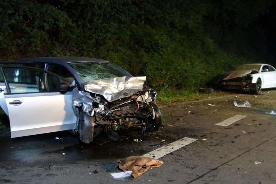 Der Crash hatte vier Verletzte und zwei Totalschäden zur Folge.