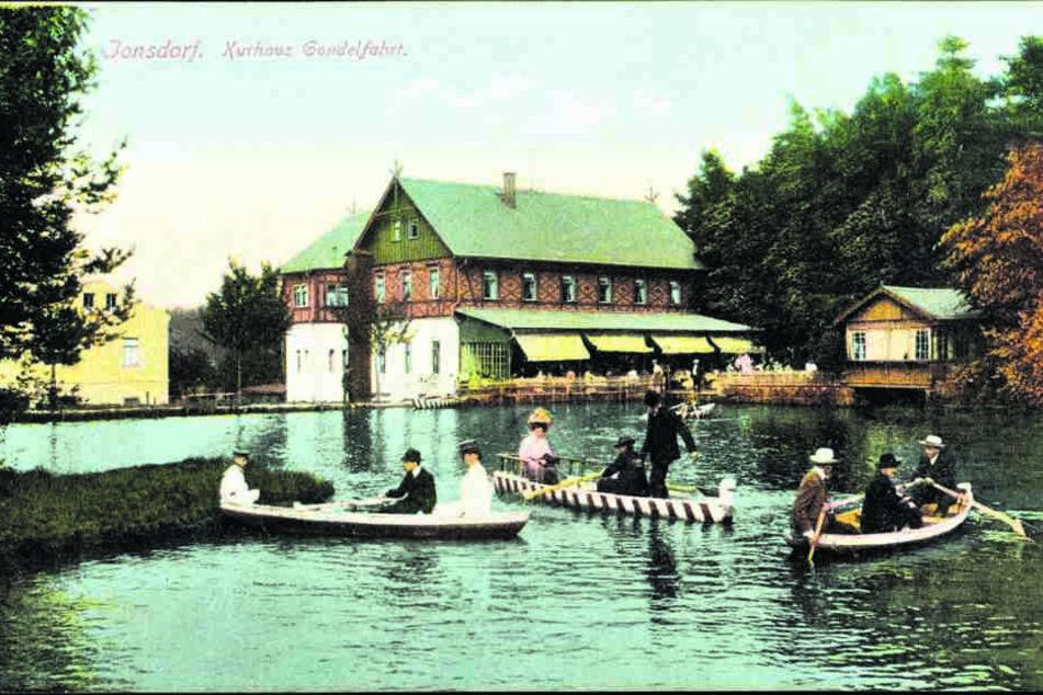 Früher wie heute: Bei einem Besuch im Luftkurort Jonsdorf gehört ein  Spaziergang im historischen Kurpark zum Pflichtprogramm.