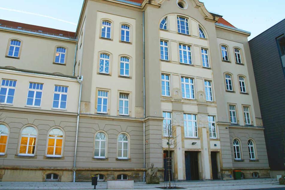 Die Ganztagsschule befindet sich in ruhiger Lage in der Dresdner Neustadt.