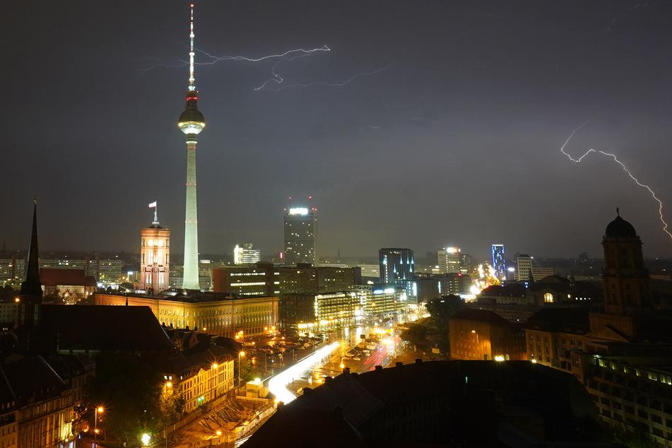 In den kommenden Tagen soll es in Berlin und Brandenburg stark regnen und gewittern.