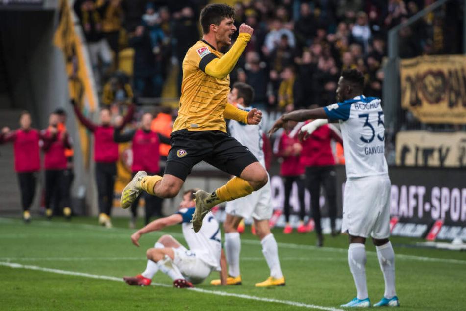 Jannis Nikolaou nach seinem Tor zum zwischenzeitlichen 1:1 gegen Bochum. Der 26-Jährige ist momentan der stabilste Dresdner Feldspieler.