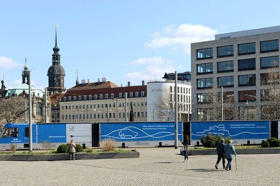 Vom Lager in die Manufaktur in 25 Minuten. Dresdens Güter-Straßenbahn pendelt dabei über Bahnhof Mitte, Postplatz, Pirnaischer Platz und Straßburger Platz.
