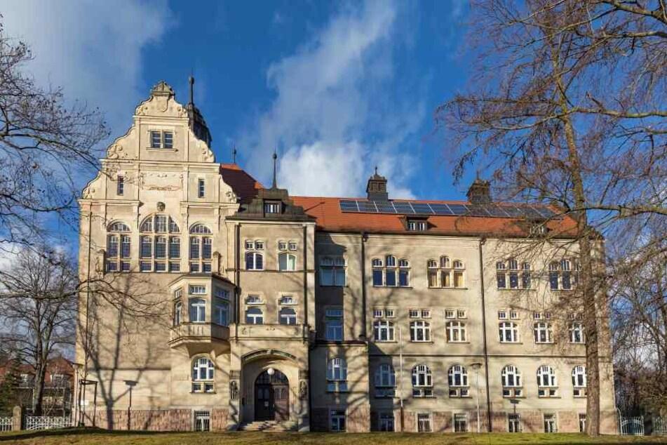 Der Entblößer war im Bereich der Grundschule Siegmar unterwegs.