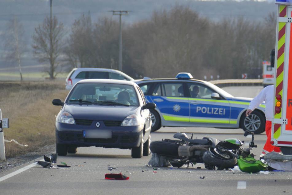 Der Motorradfahrer erlag seinen schweren Verletzungen.