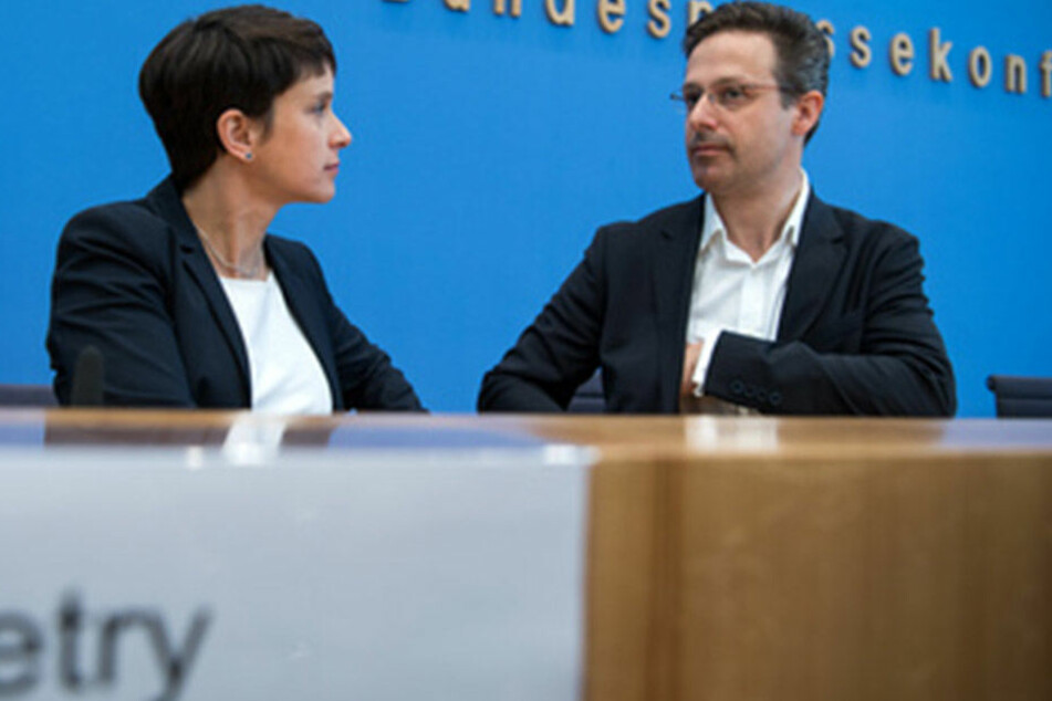 Frauke Petry (41, links) und Marcus Pretzell (43, rechts) sind mit dem AfD-Wahlergebnis in Nordrhein-Westfalen einverstanden.