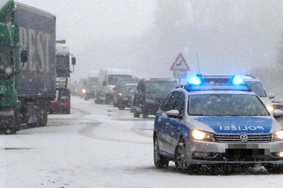 Schnee in NRW führte zu mehreren Unfällen (Symbolbild).