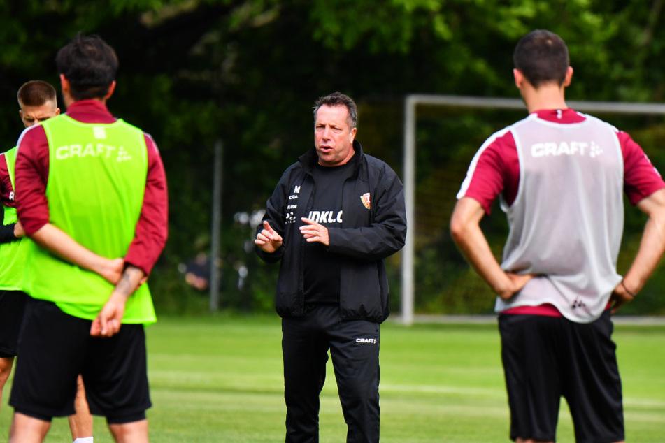 Dynamo-Trainer Markus Kauczinski kann seine Spieler wieder direkt ansprechen.