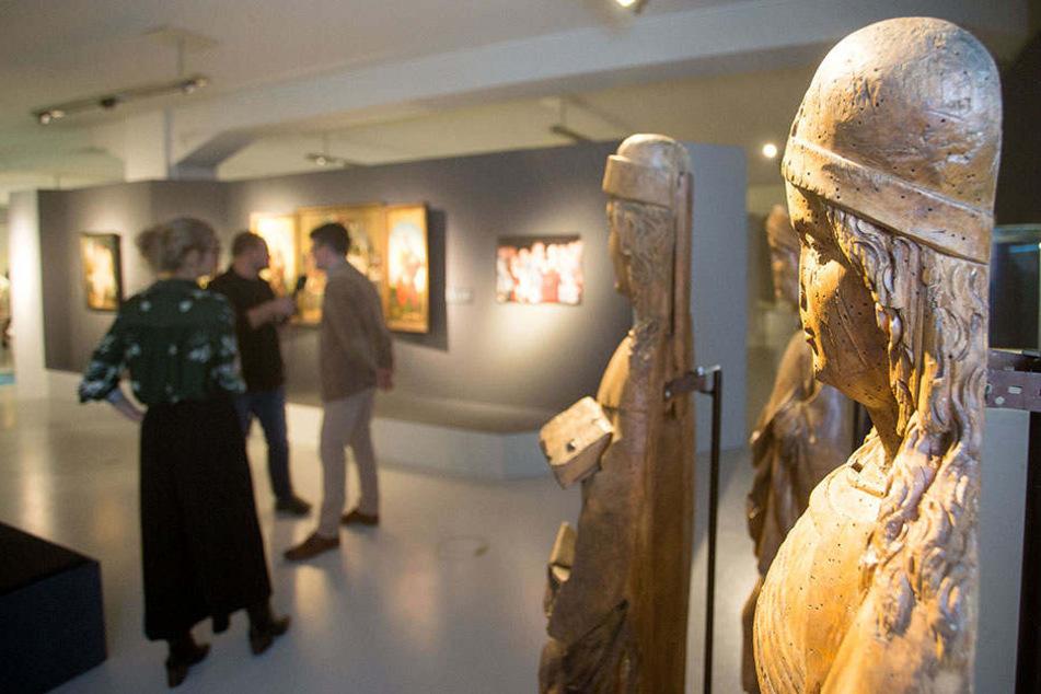 Die sächsisch-böhmische Ausstellung umfasst mehr als 670 Exponate. Bis Ende März 2019 bleibt sie in Chemnitz, ab 24. Mai ist sie in der Nationalgalerie Prag zu sehen.