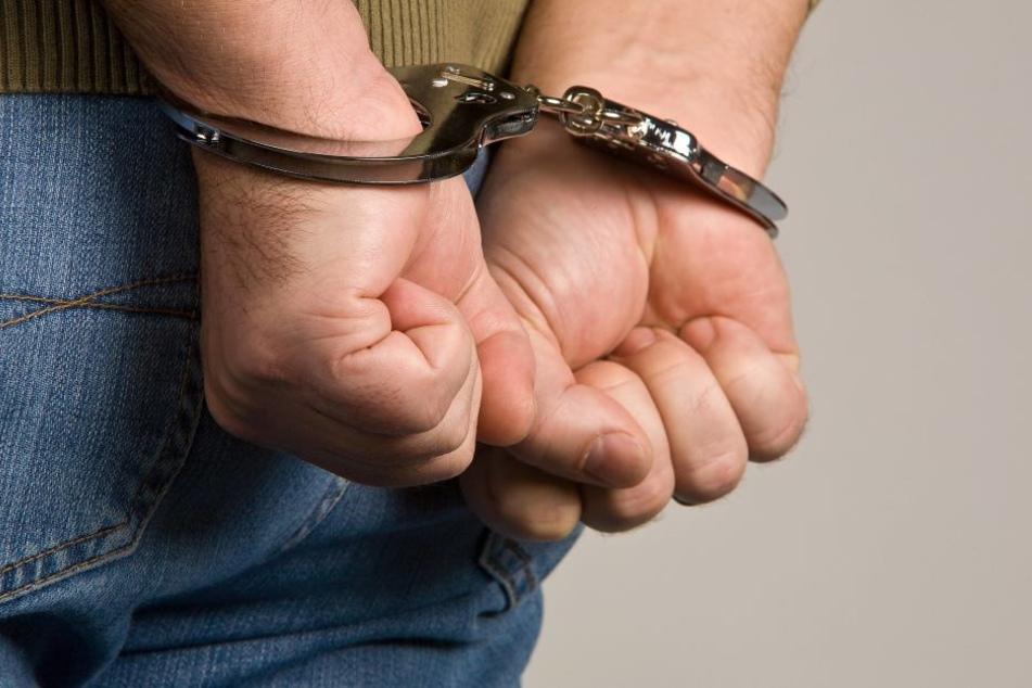 Bei einer Festnahme wurde ein Mann angeschossen.