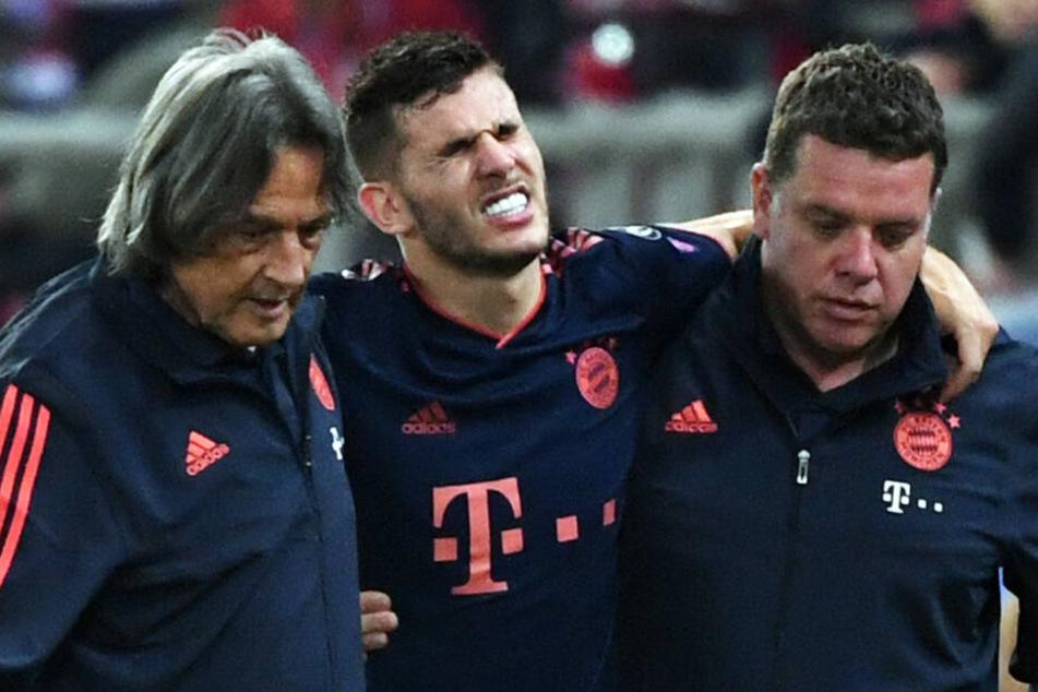 Lucas Hernández (M.) wird dem FC Bayern München für längere Zeit nicht zur Verfügung stehen.