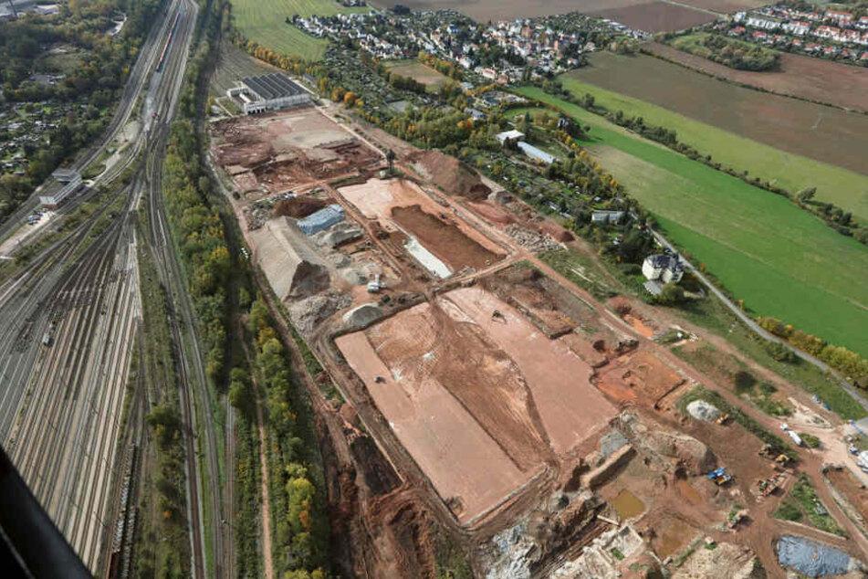 Auf diesem Luftbild von Oktober 2017 sind die Vorbereitungsarbeiten auf dem Baugrund zu erkennen. Die Erschließungsarbeiten sollen im Juli abgeschlossen sein.
