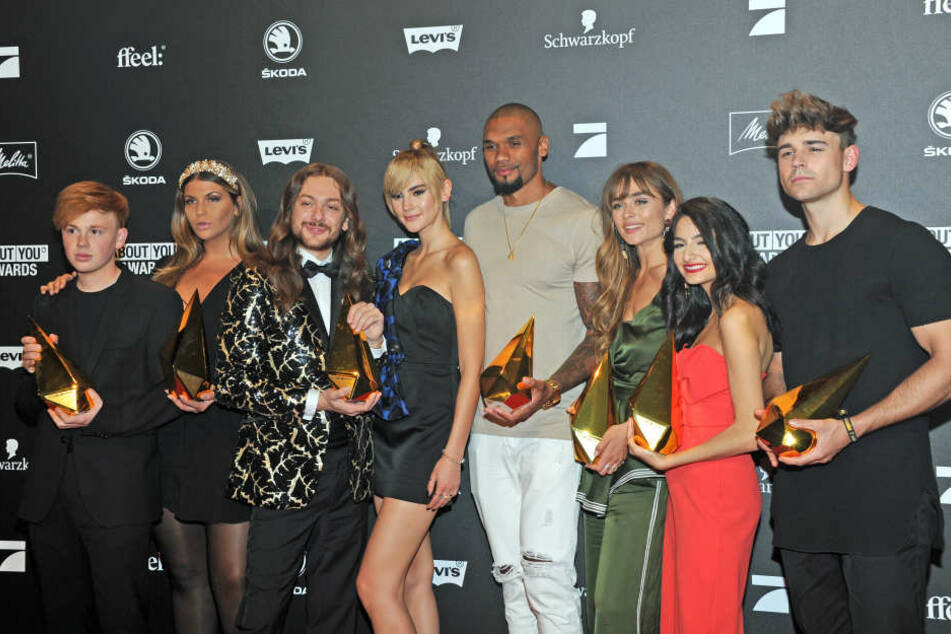 Die Gewinner, Erik Scholz (v-l, Kategorie Upcoming), Farina Opoku (Beauty), Riccardo Simonetti (Fashion), Stefanie Giesinger (Idol of the yaer), Dominique Harrison (Fitness), Sofia Tsakiridou (Lifestyle), Ischtar Isik (You Tupe) und Moritz Garth (Musik).