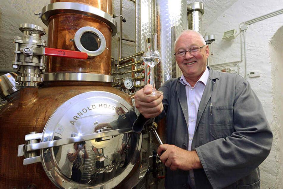 Georg W. Schenk (67) hat sich mit Bränden alter Obstsorten einen Namen gemacht - und hat nun einen Nachfolger für sein Erfolgsunternehmen gefunden.