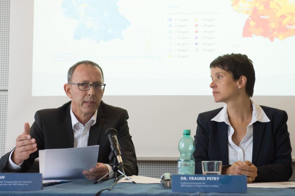 Sachsens AfD-Chef Jörg Urban (54) musste am Freitag als Zeuge im Meineid-Prozess aussagen.