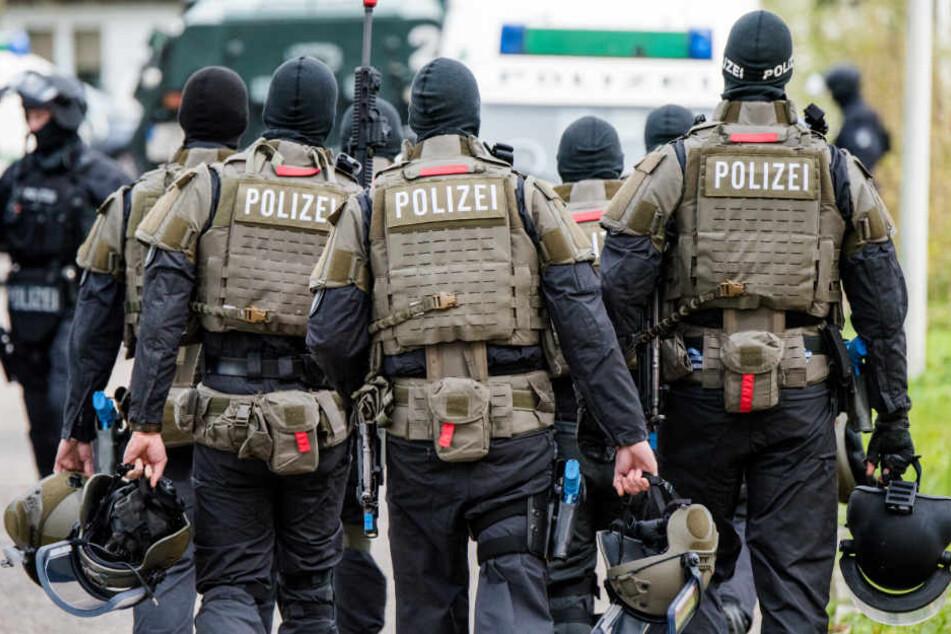 Bei Anti-Terror-Übungen probt die Polizei schwer bewaffnet den Ernstfall.