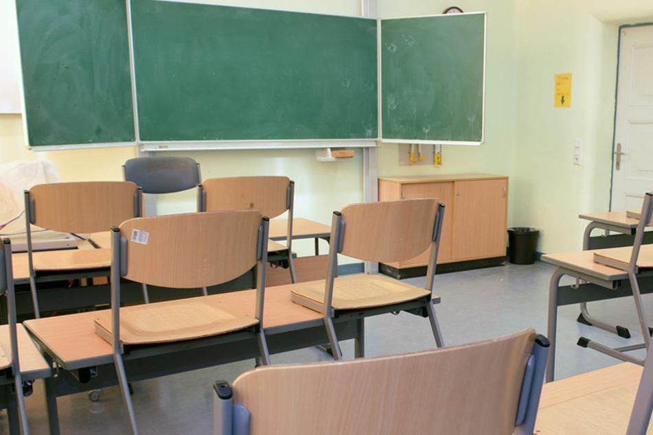 Über Jahre hinweg blieben viele Stunden ohne Unterricht.