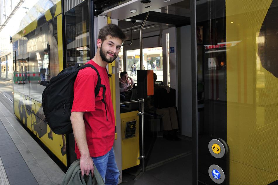 """Tim Missullis (21): """"Volle Busse und Bahnen - während der Corona-Krise geht das gar nicht."""""""