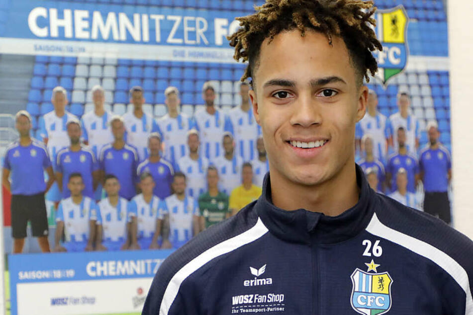 Neuzugang Deji Beyreuther will mit dem CFC in die 3. Liga. Dann verlängert sich das Leihgeschäft mit Eintracht Frankfurt bis Ende Juni 2020.