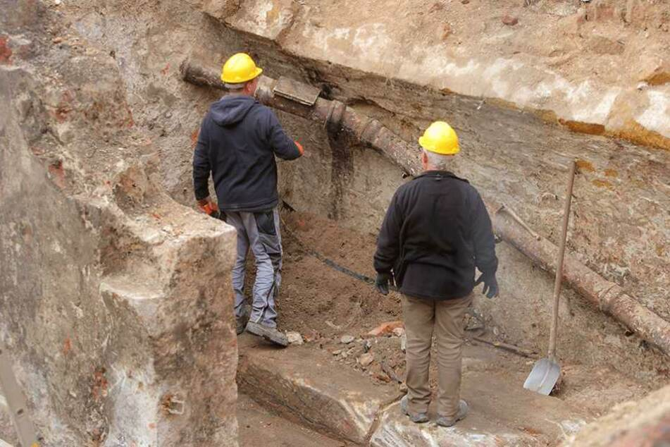 Zwischen Schreiber- und Pfarrgasse in der Dresdner Altstadt finden momentan Grabungen statt.