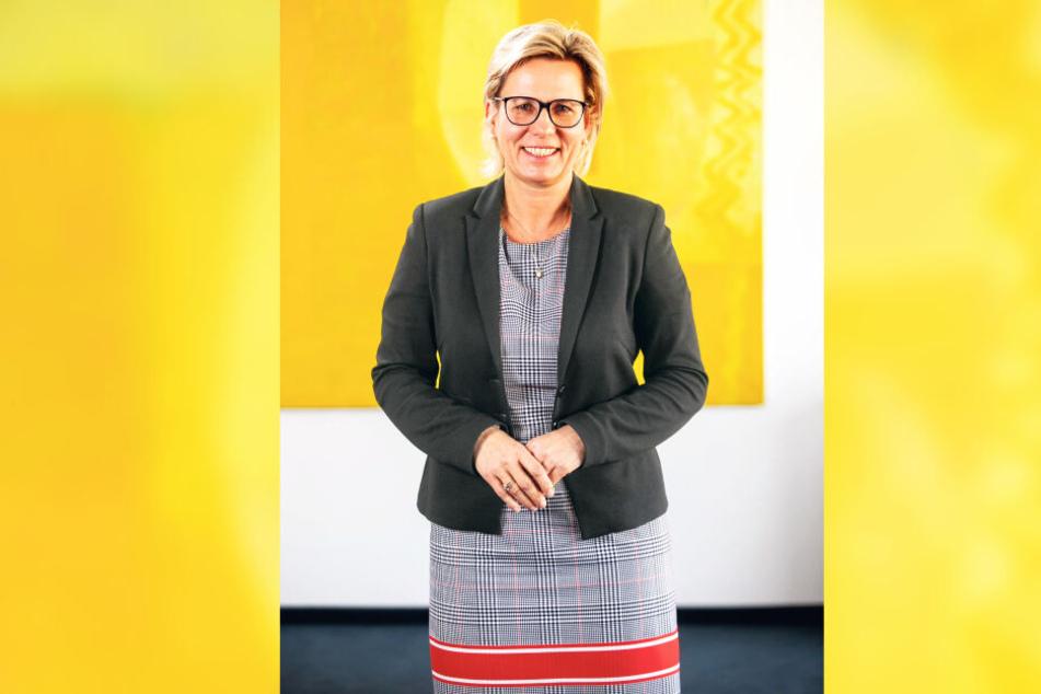 Barbara Klepsch und ihre neuen Mitarbeiter ziehen in die ehemalige Hauptpost der DDR.