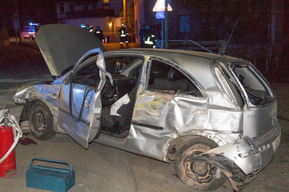Der Wagen war nach dem Unfall Schrott.