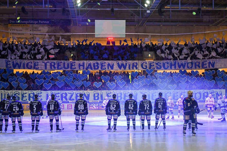 Auch in der kommenden Spielzeit dürfen sich die Akteure der Dresdner Eislöwen auf die Unterstützung ihrer Fans freuen.