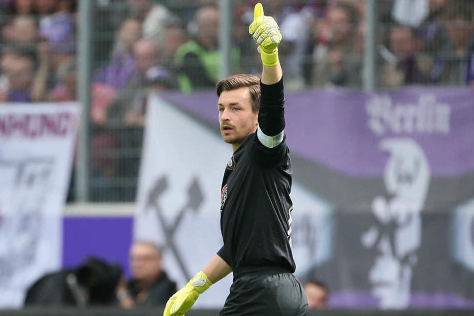 Daumen hoch! Martin Männel war in der abgelaufenen Saison der drittbeste Torwart der 2. Liga.