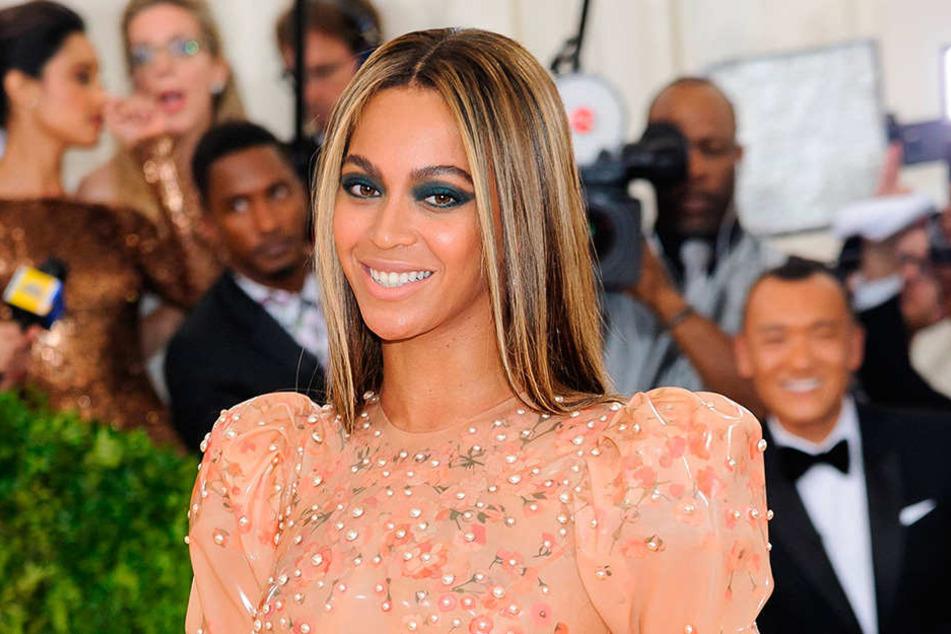 R&B-Star Beyoncé (35) hat ein krebskrankes Mädchen überrascht.