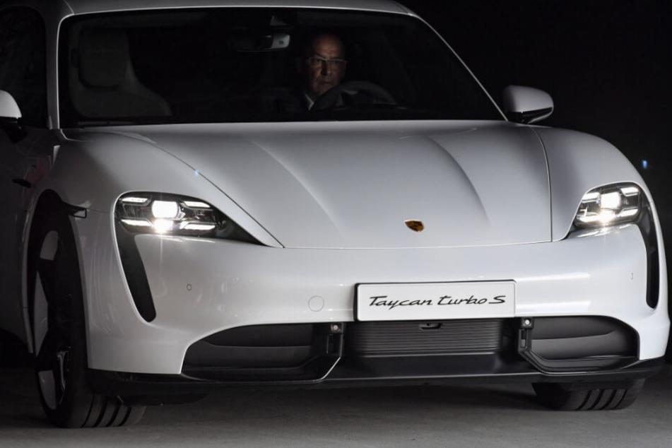 Porsche startet Produktion des neuen Elektro-Flitzers Taycan