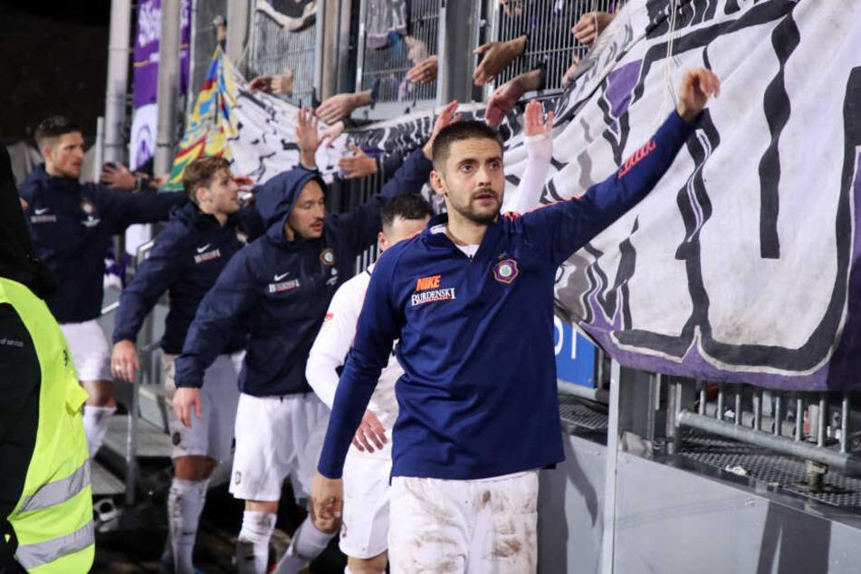 Dimitrij Nazarov ist bei den Auer Fans beliebt, was nicht nur an seiner Leistung, sondern auch an seiner lockeren Art liegt.
