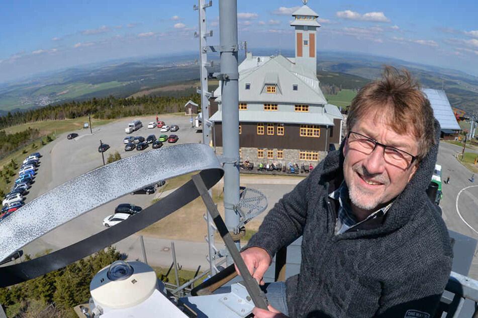 Noch sorgen Matthias Barth und seine Kollegen von der Wetterwarte auf dem Fichtelberg für genaue Messdaten.
