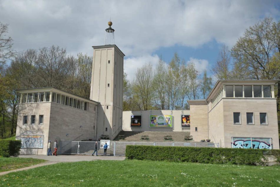 Hier tagen schon bald die Ritter der Tafelrunde: Die Theater Chemnitz suchen  für das Sommertheater auf der Küchwaldbühne noch Statisten.