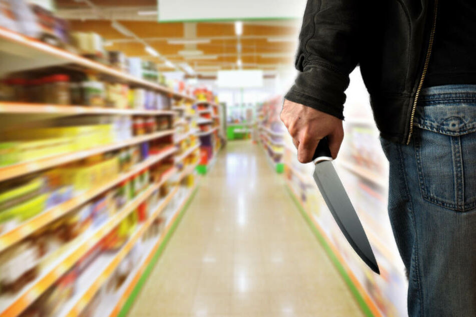 Messer-Attacke im Supermarkt! Zwei Männer verletzt