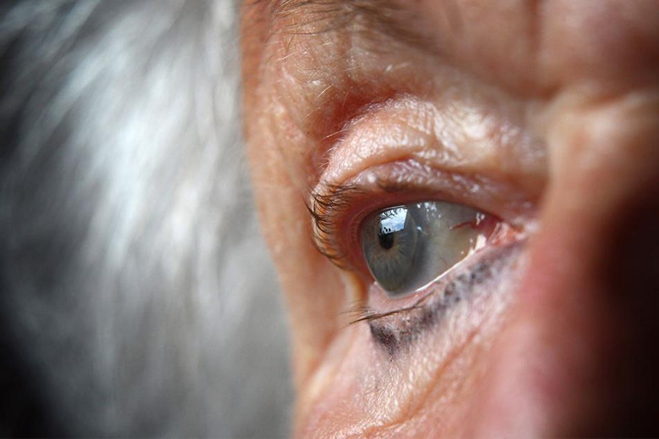 Die alte Dame mischte das Gift angeblich für sich selbst, wollte es aber zuerst an anderen testen. (Symbolbild)