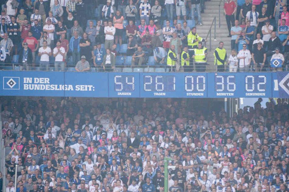 Die legendäre Stadionuhr im Volksparkstadion zeigte die Zeit an, wie lange der HSV in der Bundesliga war.