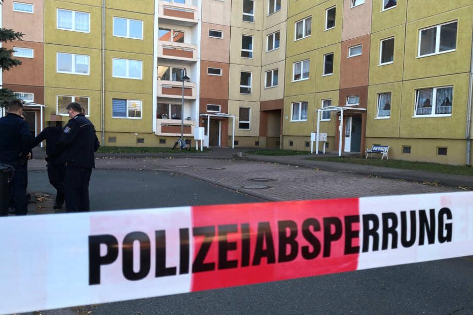Heimtückischer Mord: Frau lauert Ex-Freund auf und tötet ihn mit vier Schüssen