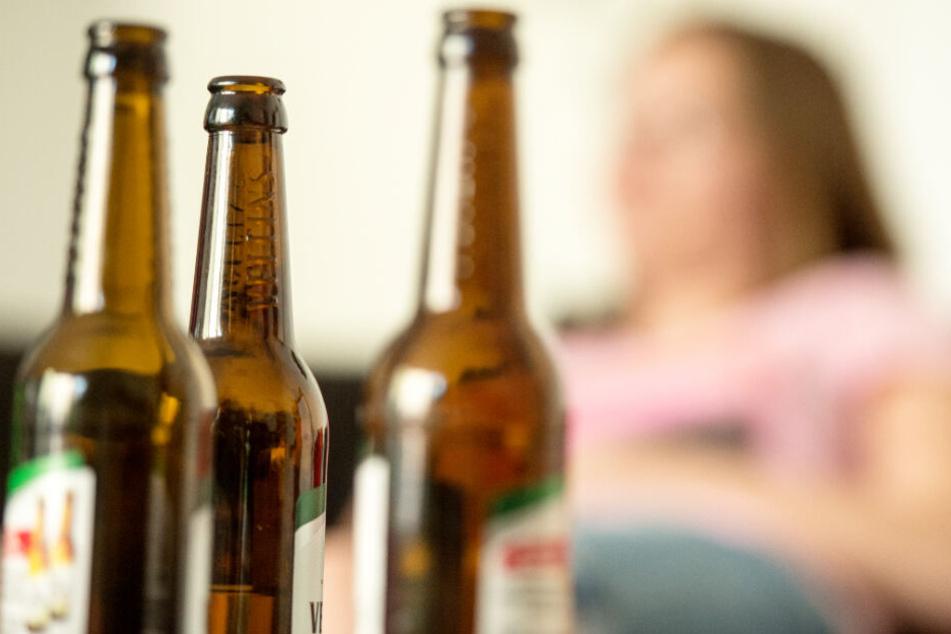 Leere Bierflaschen lernen Kinder mit alkoholabhängigen Eltern schon sehr früh kennen.