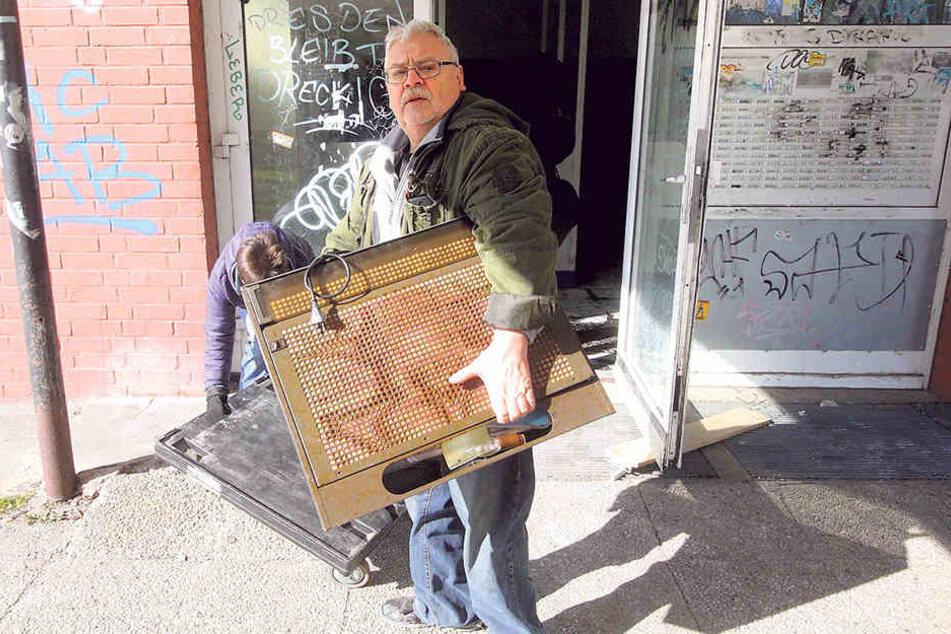 Hausbewohner Ferry R. (65) zog am Donnerstag aus.