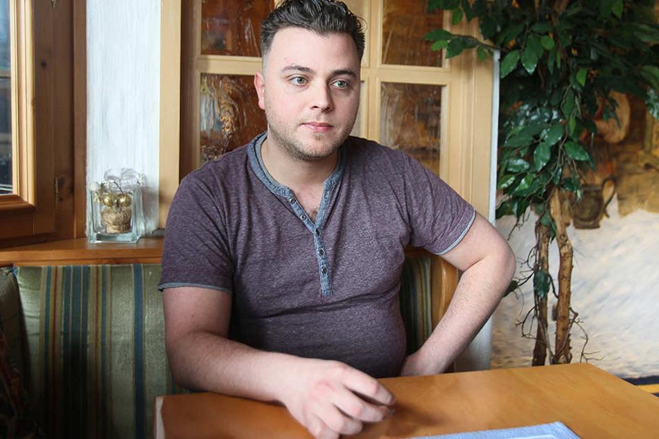 Philipp Zaky (26) beobachtete aus dem Fenster heraus, wie die Männer in das Hotel kamen.