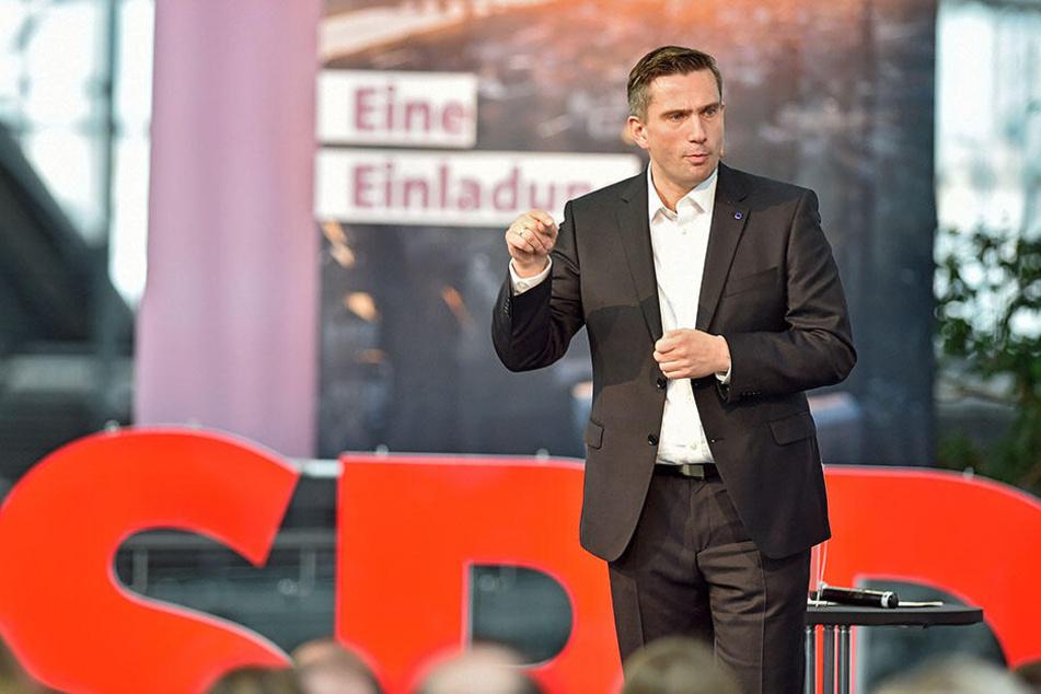 Martin Dulig (44) wird an der Spitze die SPD wieder in den Wahlkampf für die Landtagswahlen in Sachsen im September führen.
