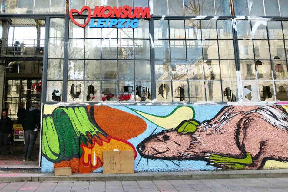Kampf ums Westwerk: Scherben-Anschlag auf neue Konsum-Filiale