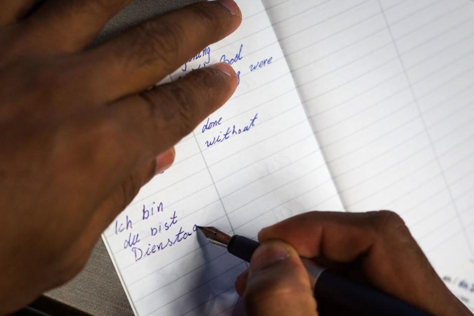 Ziel ist es stets, die Jugendlichen zu integrieren. Schreibkurse sind da ein Anfang. (Symbolbild)