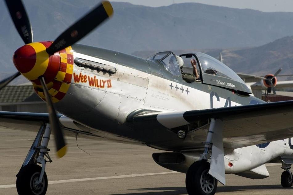 """Ein Jagdflugzeug vom Typ P-51 """"Mustang"""". (Archivbild)"""
