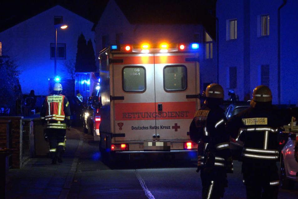 Die vier Familienmitglieder mussten vorsorglich in eine Klinik eingeliefert werden.