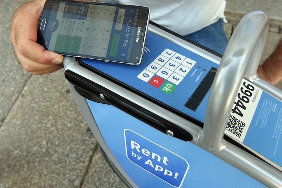 Ausleihe per Smartphone: Wer das System einmal begriffen hat, leiht immer wieder.